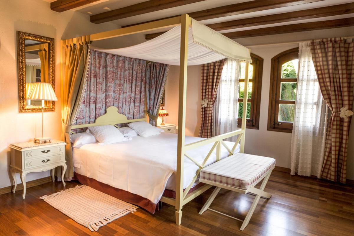 Hotels In Aravell Catalonia