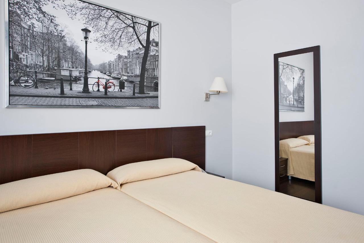 Konukevi Hostal T4 (İspanya Paracuellos de Jarama) - Booking.com
