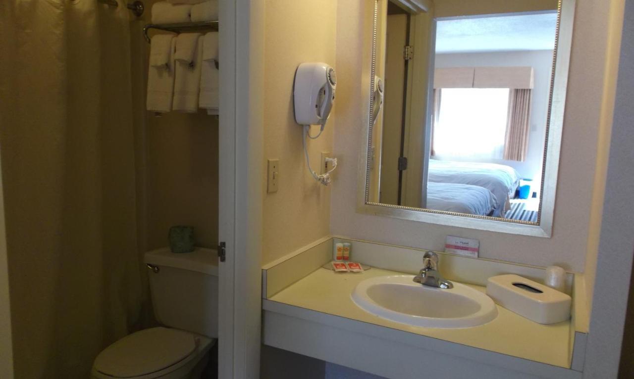 Econo Lodge Freeport, ME - Booking.com