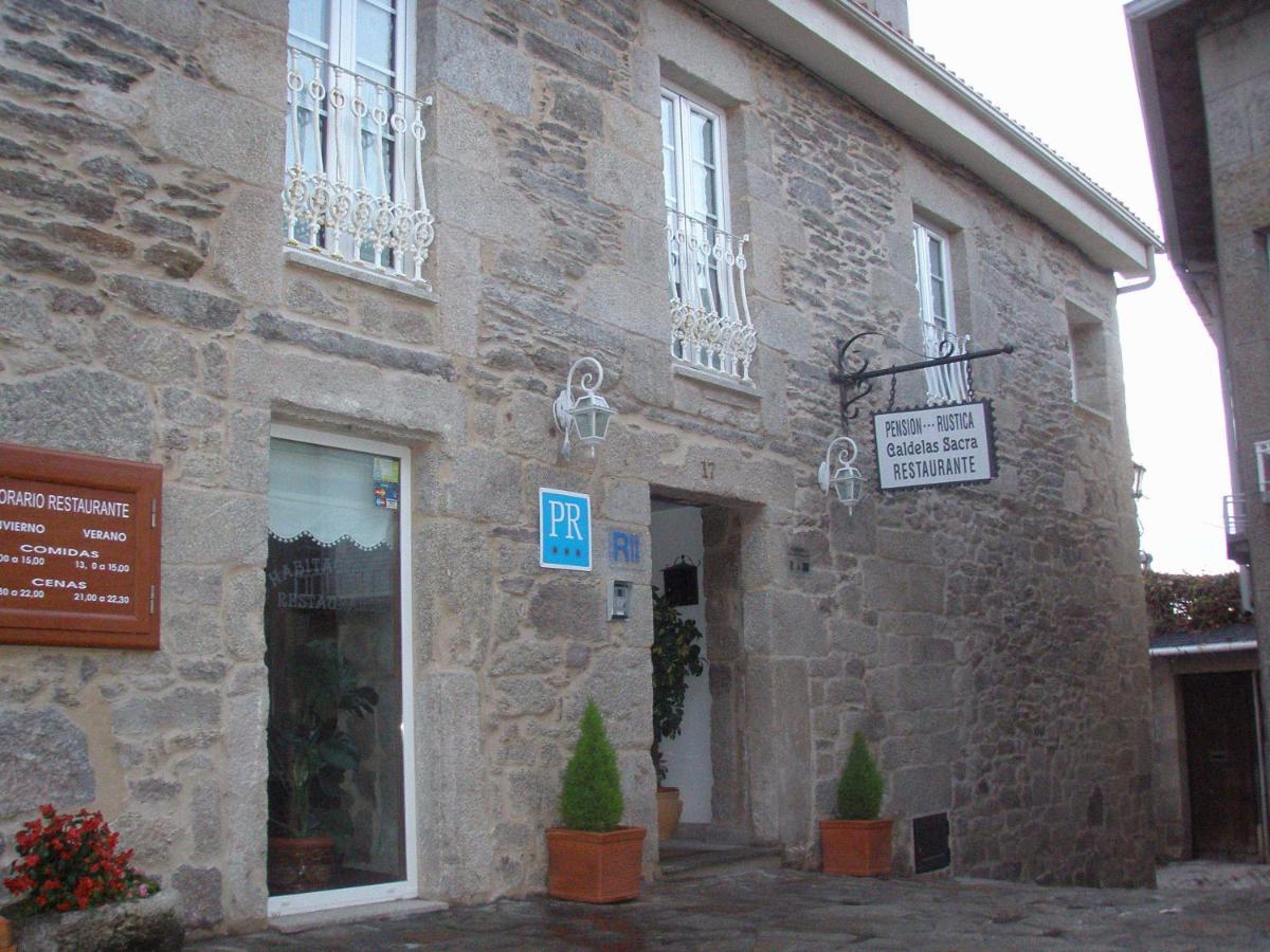 Guest Houses In Castro Caldelas Galicia
