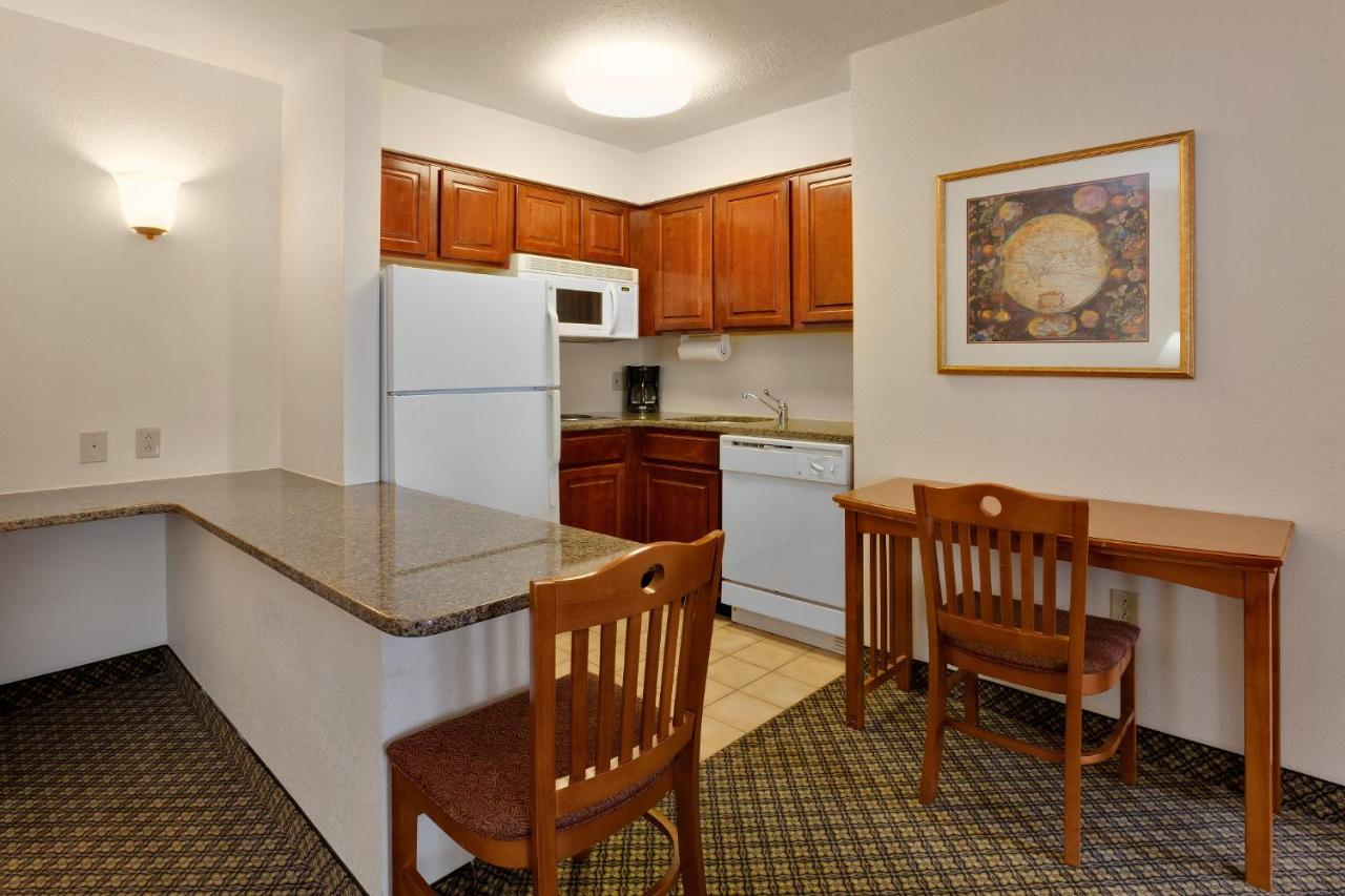 Hotel Staybridge Lehigh Valley, Allentown, PA - Booking.com
