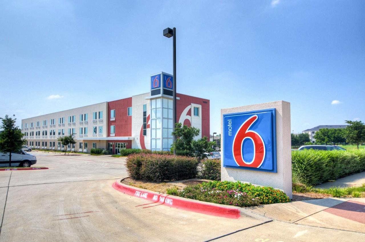 Hotels In Rhome Texas