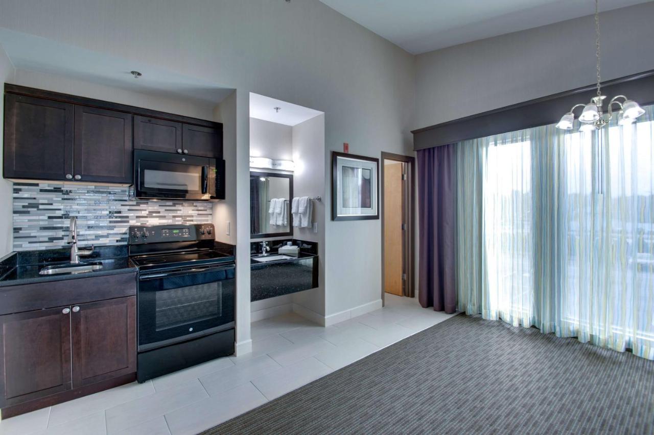 Hotel Inn at Hampton, NH - Booking.com