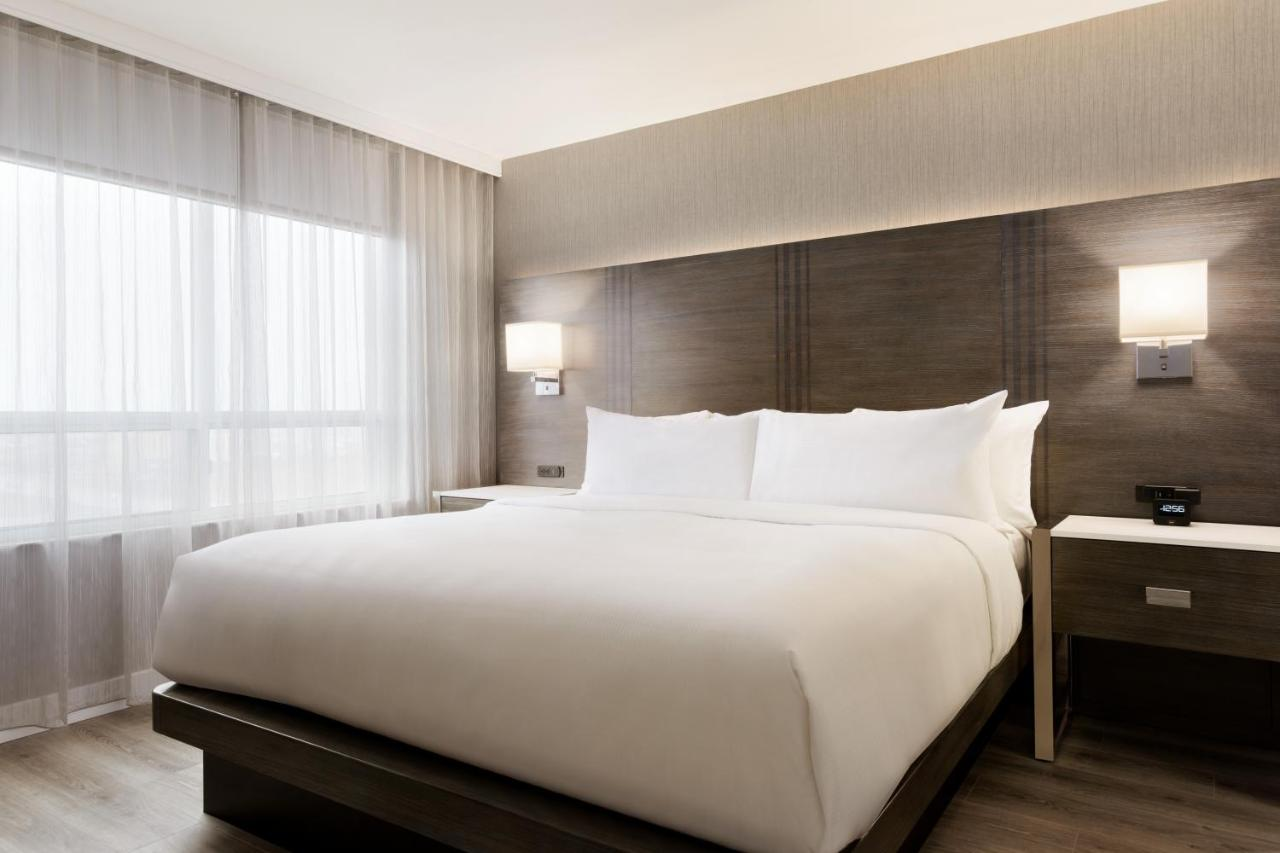 embassy suites by hilton toronto airport toronto updated 2018 prices
