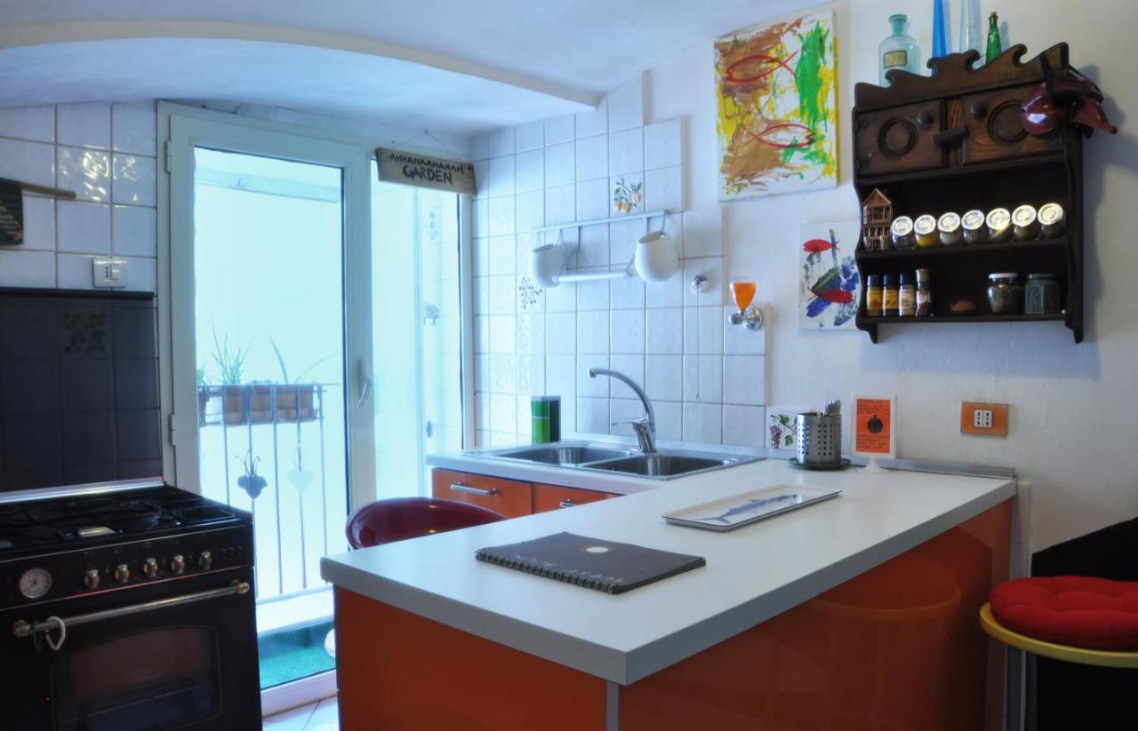 Apartment Octopus\'s Garden Seaheart Naples Center, Italy - Booking.com