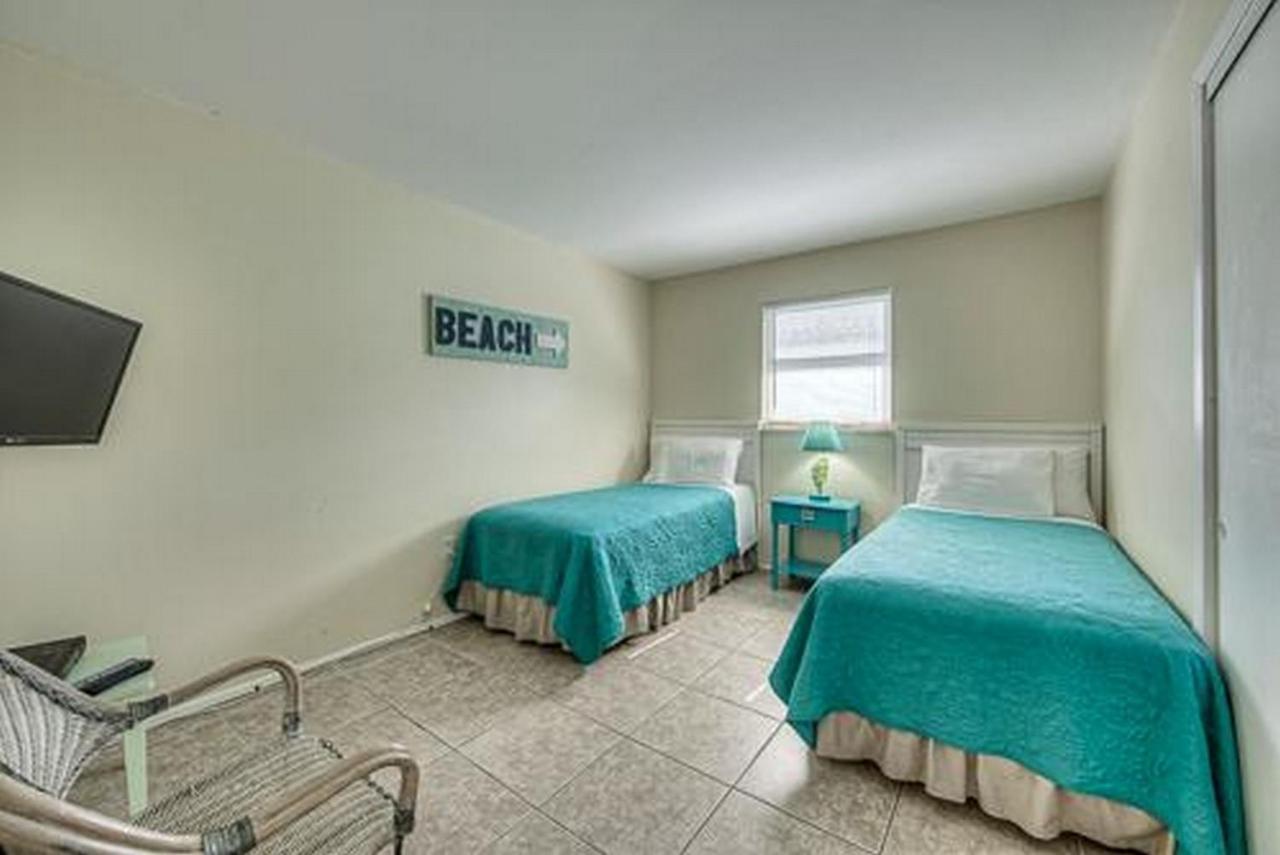 Vacation Home 245 Mango - Flip Flop, Fort Myers Beach, FL - Booking.com