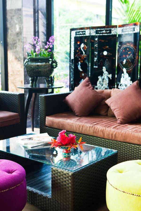 Hotels In Ban Wang Yang Nakornsawan Province