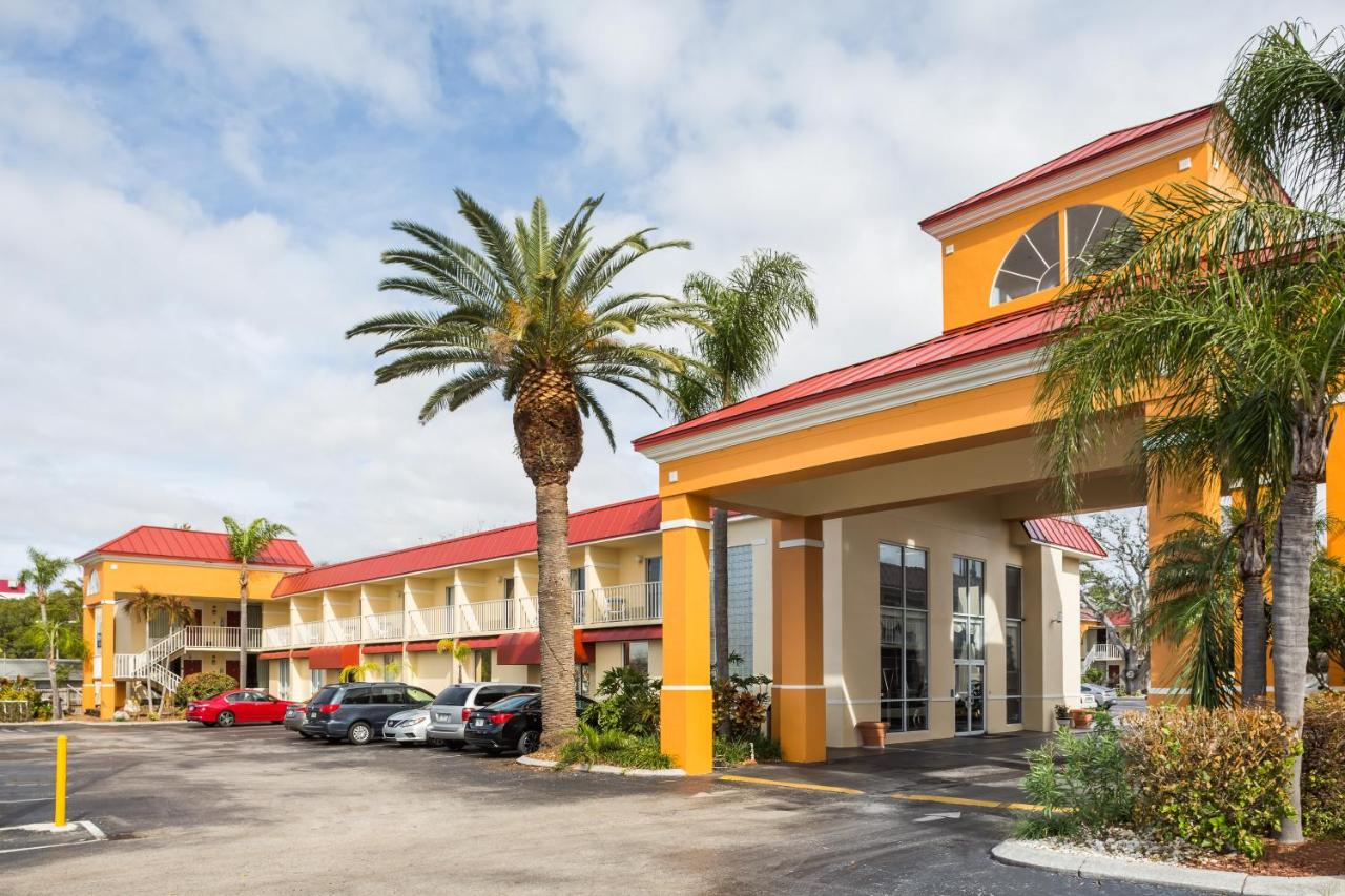 Hotels In Anclote Florida