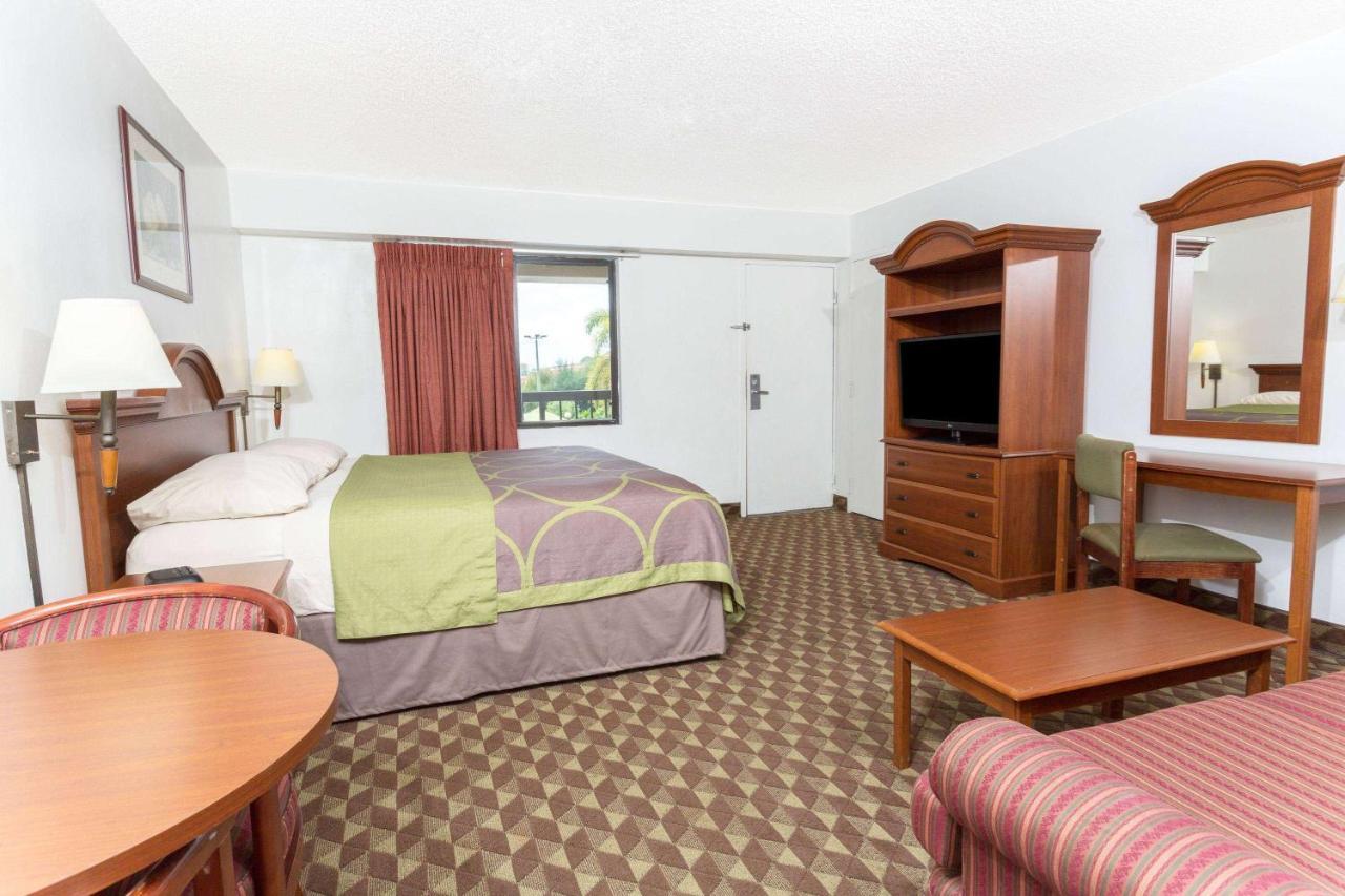 hotel super 8 by wyndham riviera beach west palm beach fl booking com