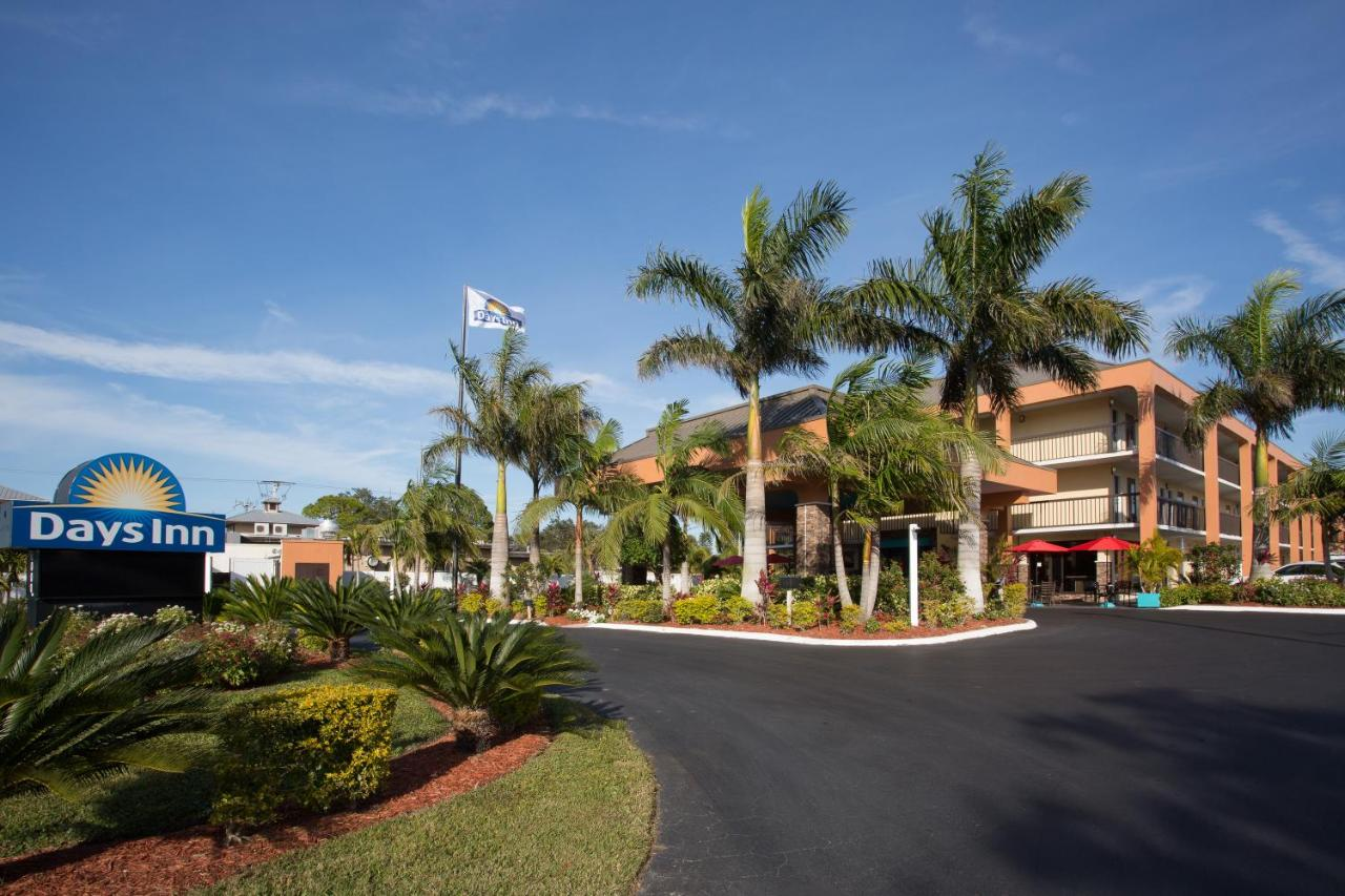 Hotels In The Meadows Florida