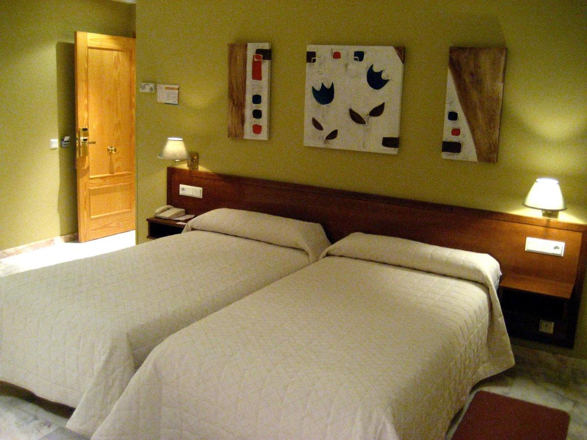 Hotels In Tiedra Castile And Leon
