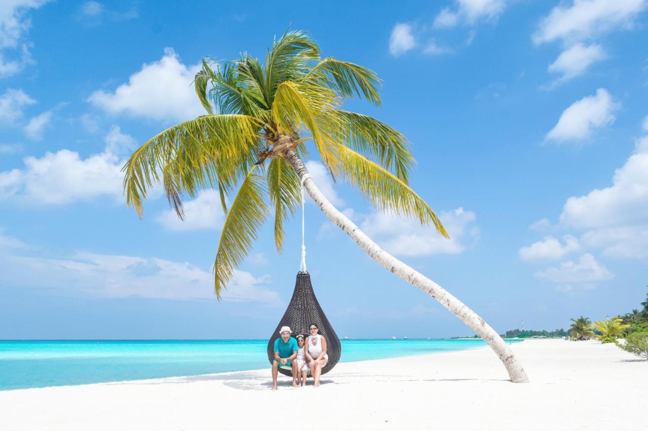 Как добраться в отель Holiday Island Resort из аэропорта Мале