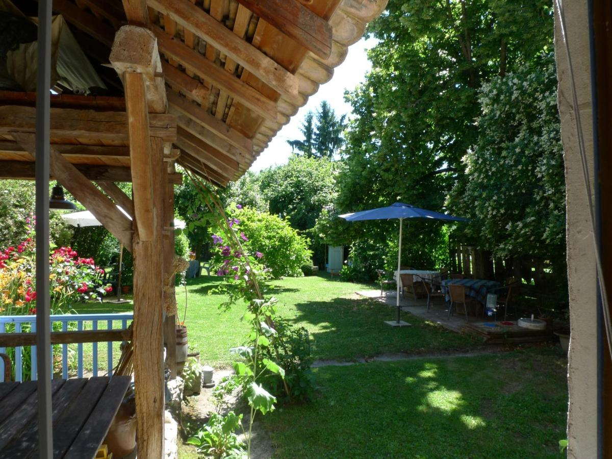 Guest Houses In Ruy Rhône-alps