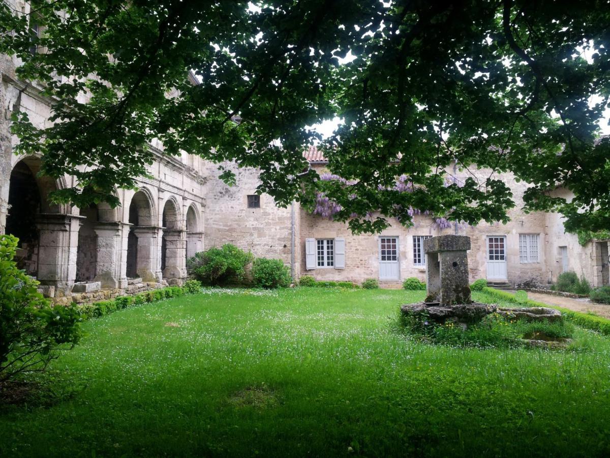 Guest Houses In Vausseroux Poitou-charentes