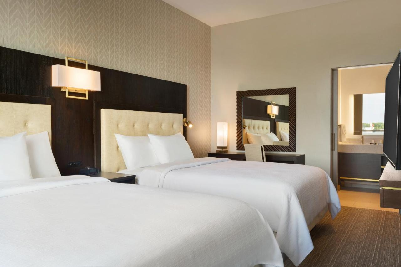 Hotel Emby Suites By Hilton Syracuse, NY - Booking.com on