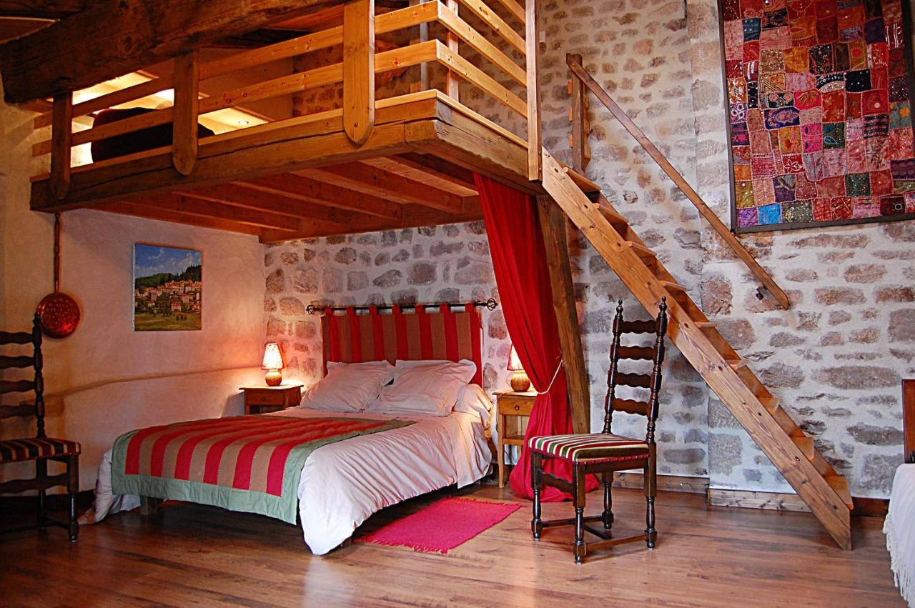 Guest Houses In Orselas Auvergne