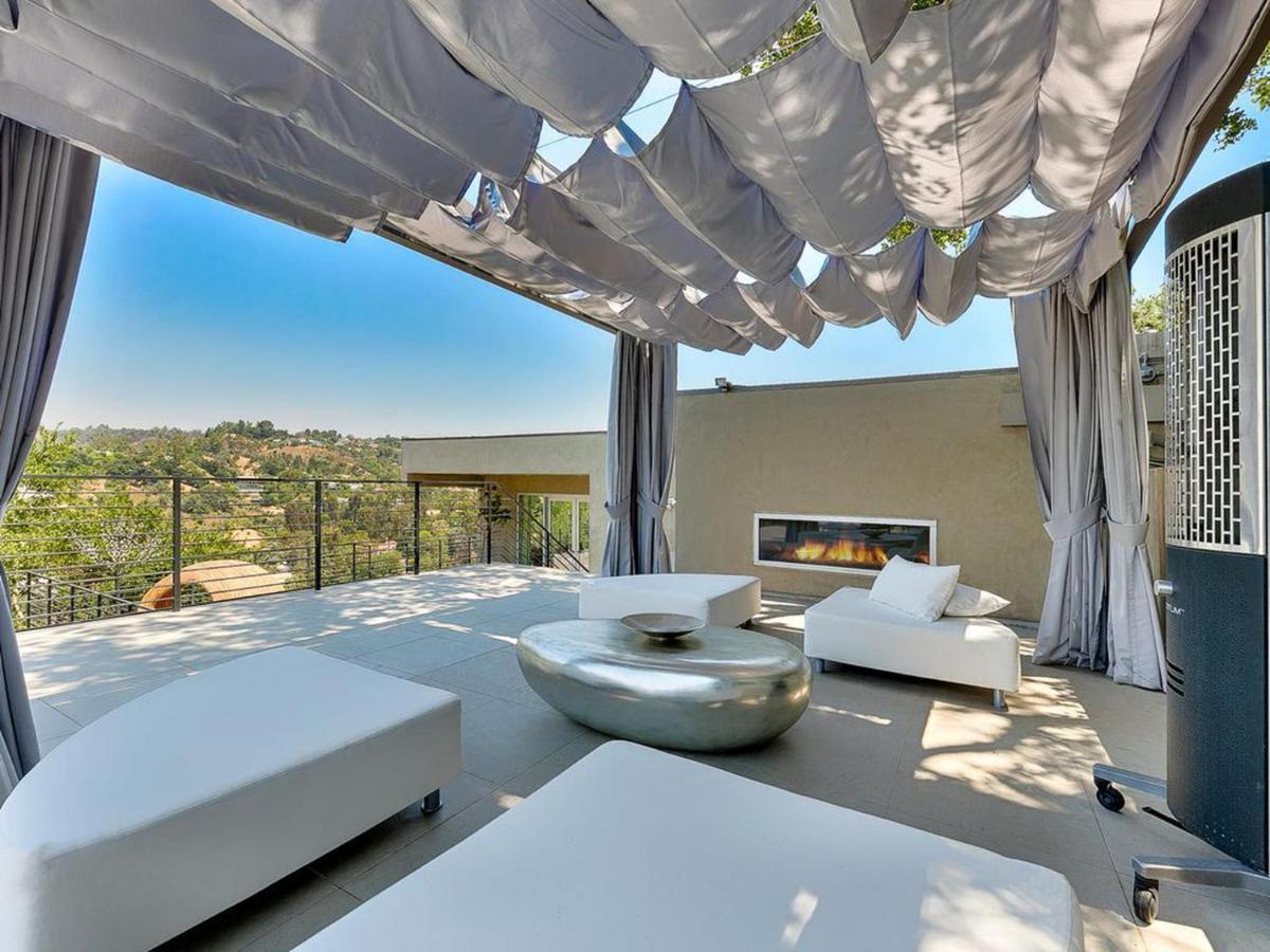 Vacation Home ◇Oak Pass Modern◇ Ultra Modern Luxury Beverly Hills ...