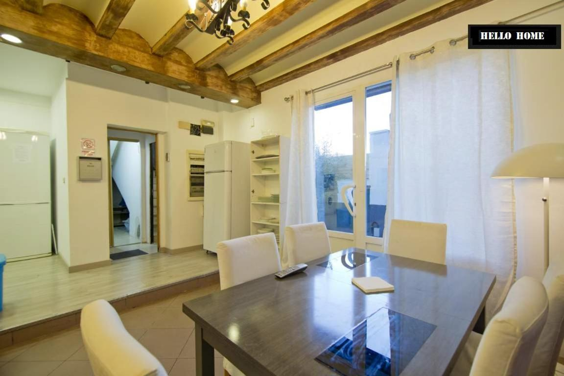 Guest Houses In Las Manoteras Community Of Madrid