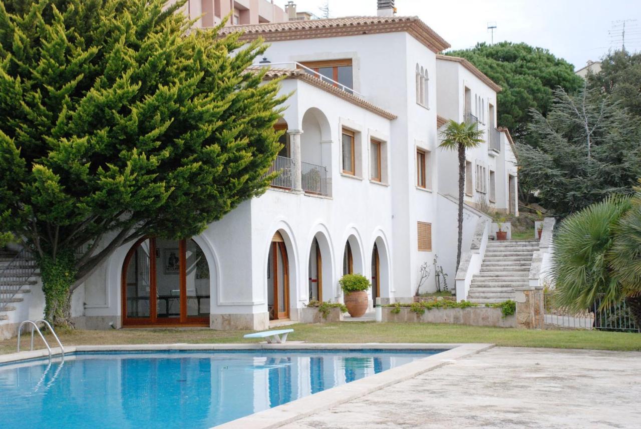 Tita de Villa (1931?014) Tita de Villa (1931?014) new photo