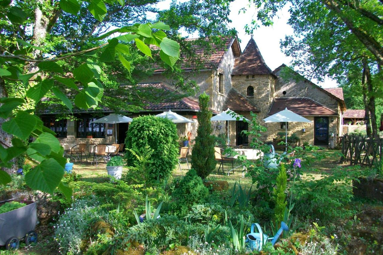 Hotels In Saint-cernin-de-reillac Aquitaine