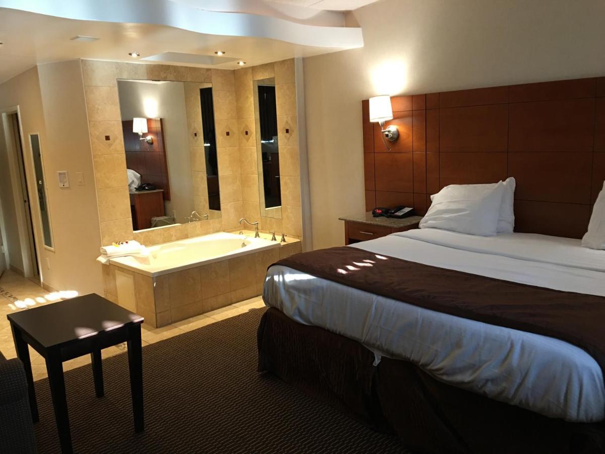 Motel Ramada Rockville Centre, NY - Booking.com