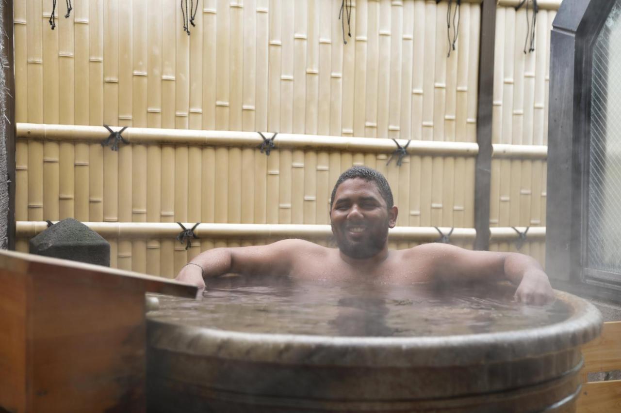 Ιαπωνικό σεξ μπανιέρα