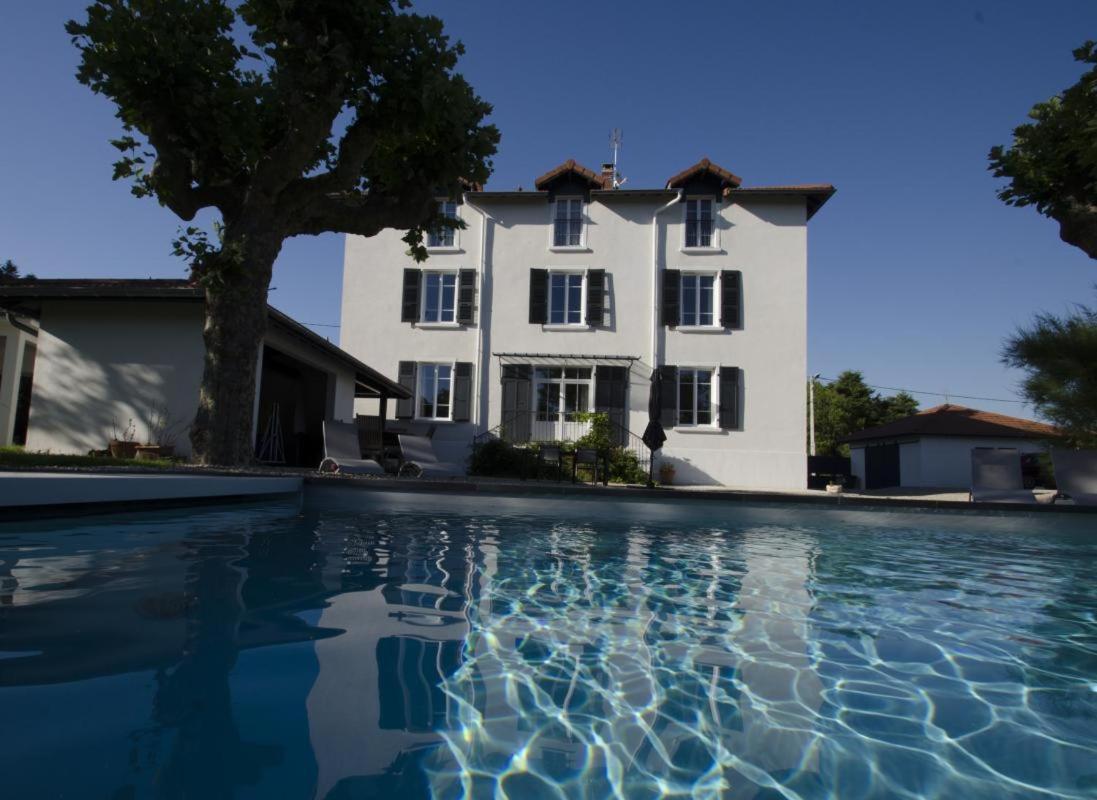 Guest Houses In Vaux-en-bugey Rhône-alps