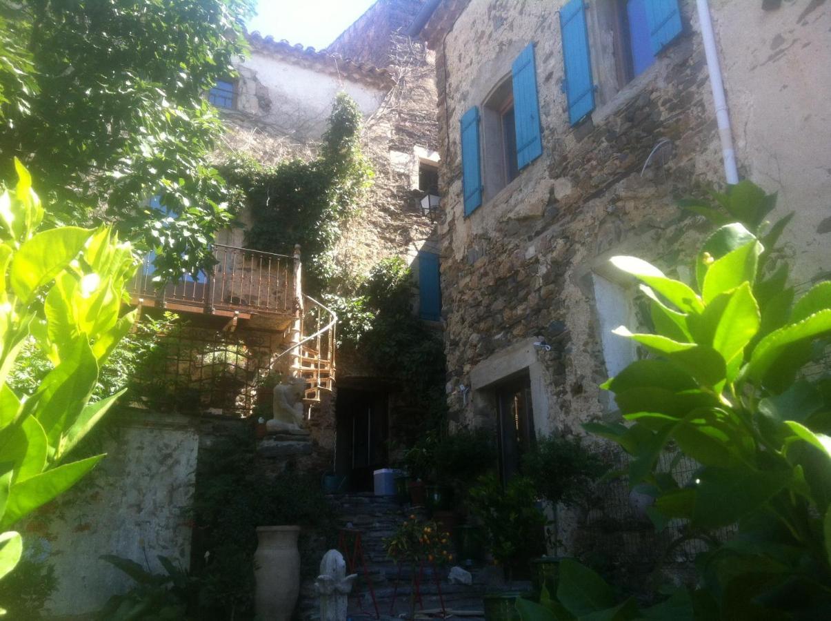 Guest Houses In Prades-sur-vernazobre Languedoc-roussillon