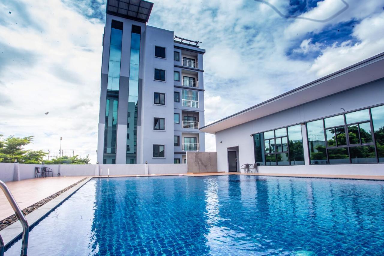The isis condo stay in korat, Nakhon Ratchasima, Thailand - Booking.com