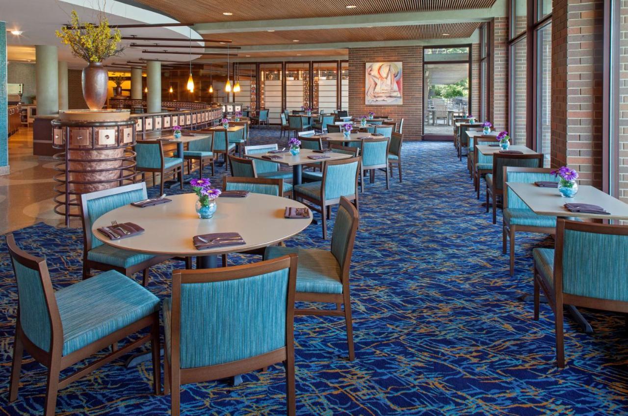Lodge McDonald\'s Campus, Oak Brook, IL - Booking.com