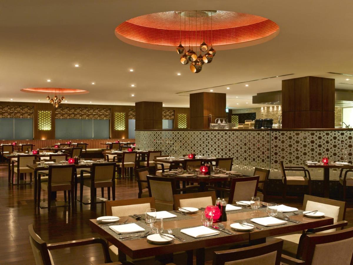 Hilton Garden Inn Saket, New Delhi, India - Booking.com