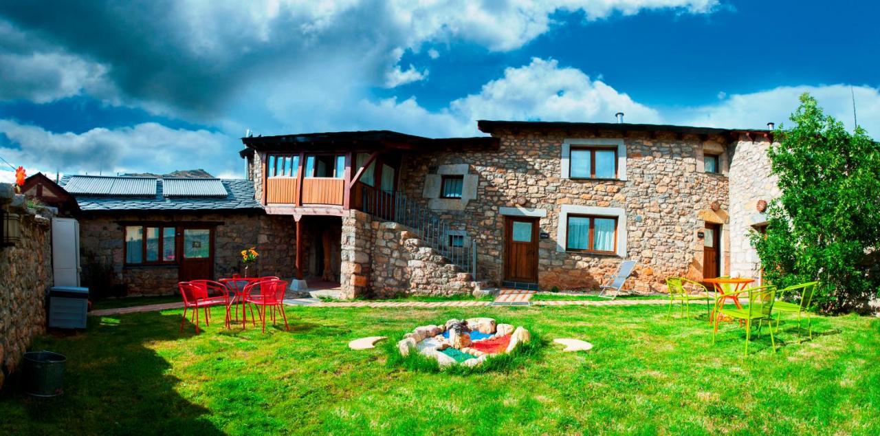 Casas Rurales Entre Babia y La Luna, Villafeliz – Updated ...