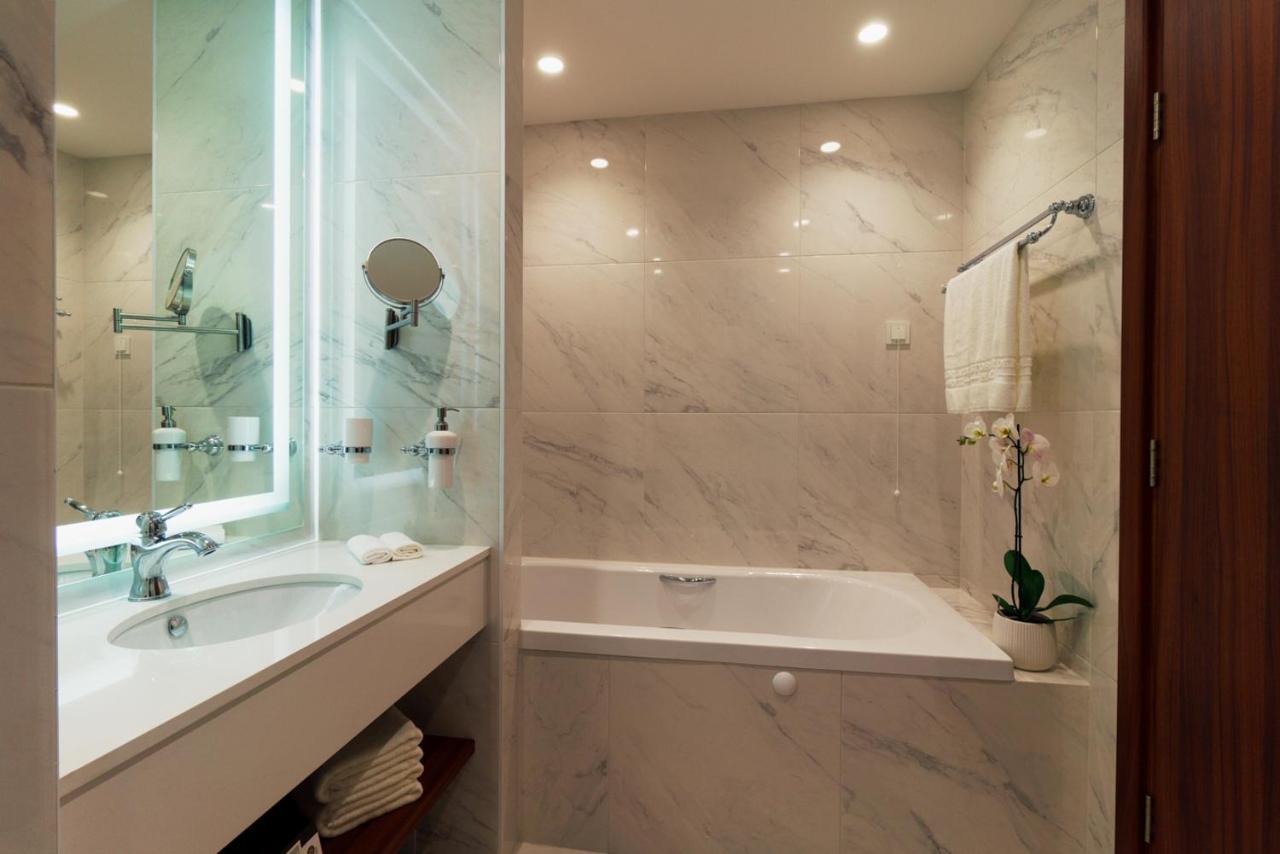 Vasca Da Bagno Glass Astor : Vasca da bagno glass astor: vasca da bagno su piedi in composito