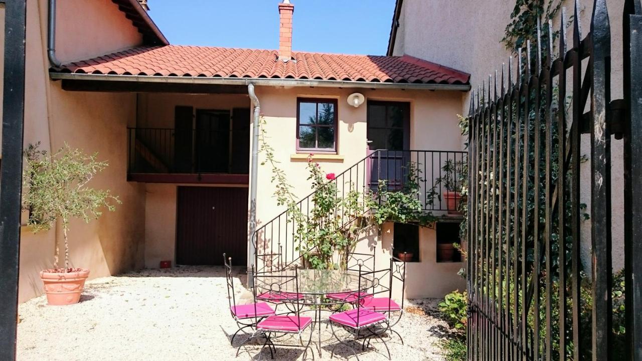 Guest Houses In Saint-marcel-l'éclairé Rhône-alps
