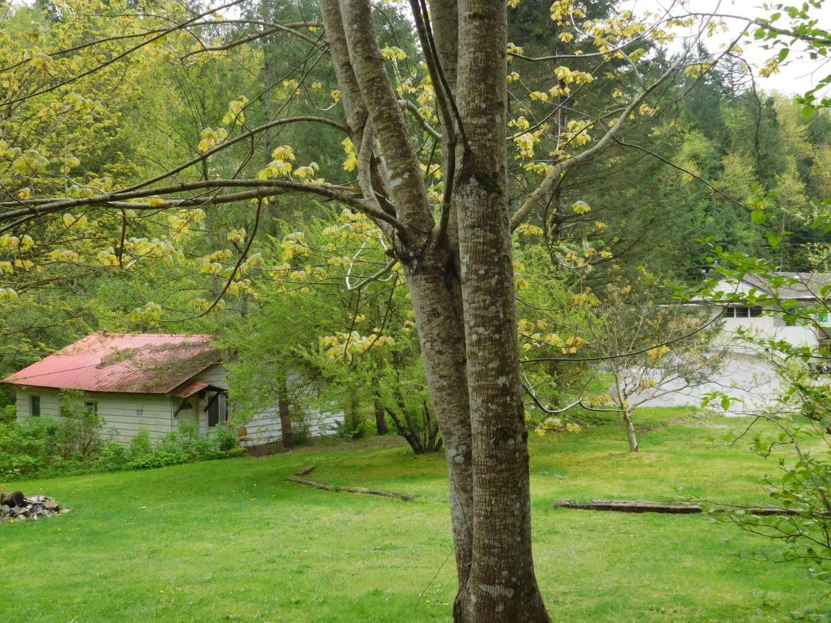 Lake of the Woods Resort, Hope, Canada - Booking com