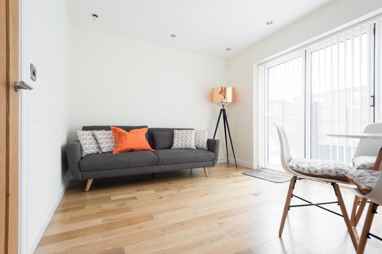 Modern townhouse in birmingham apartment uk deals