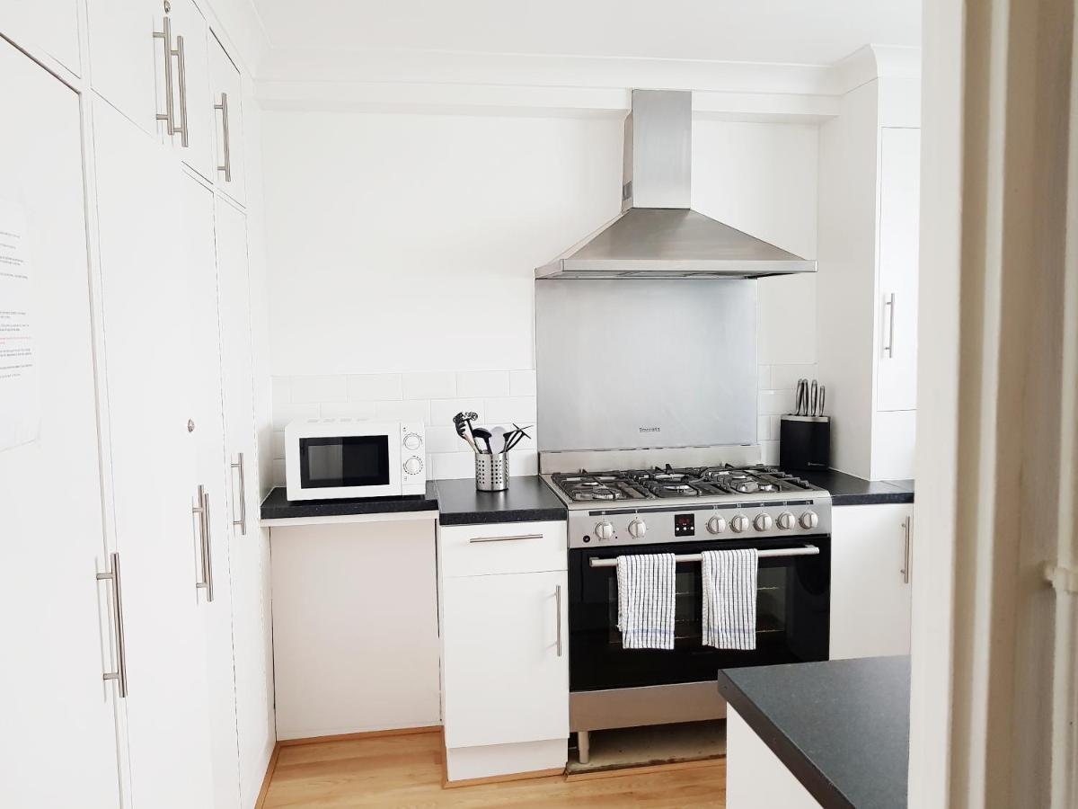 London Docklands Apartment Uk Deals