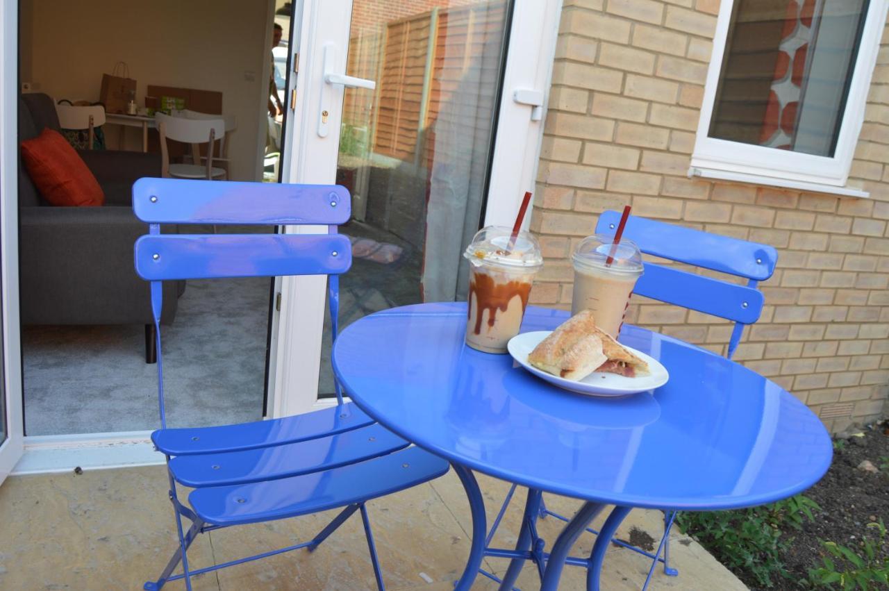 Fantastic hampton centre stay holiday home peterborough uk deals