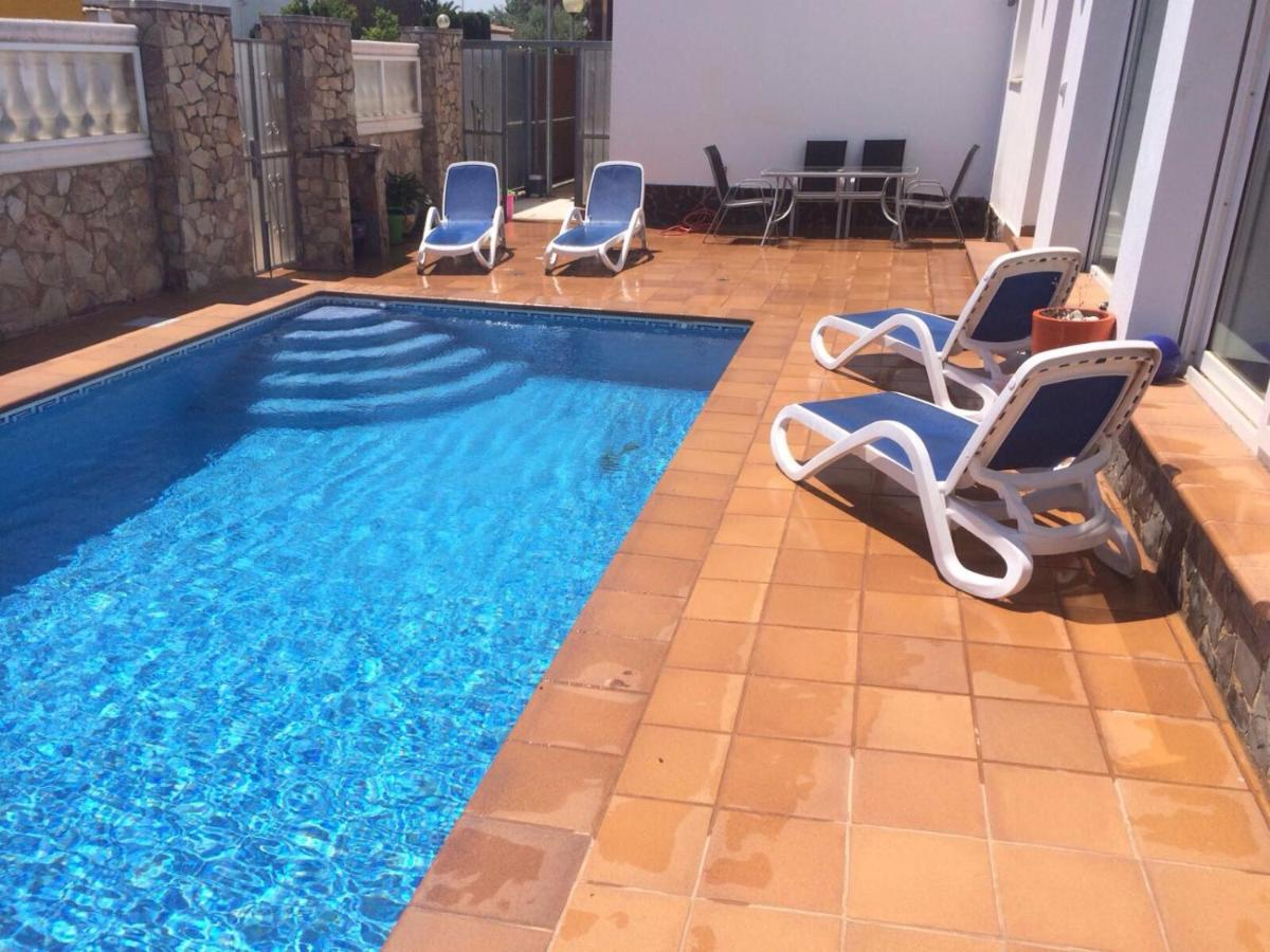 Bed And Breakfasts In Palau-saverdera Catalonia