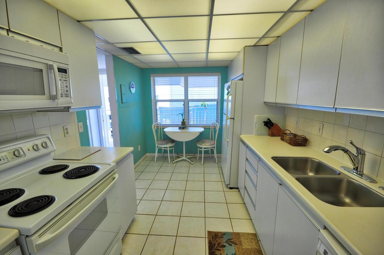 Vacation Home La Brisa #403, Key West, FL - Booking.com