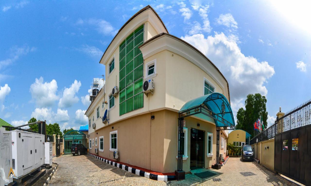 100 δωρεάν dating στη Νιγηρία Ταχύτητα dating postgarage Graz
