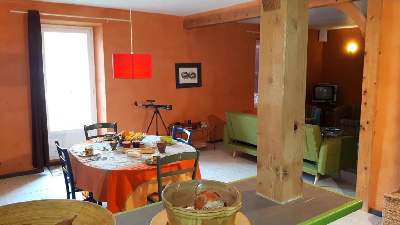 Guest Houses In Saint-jean-de-barrou Languedoc-roussillon