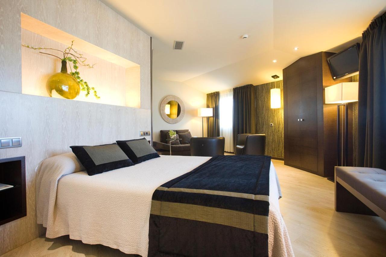 Hotels In Outeiro De Rei Galicia