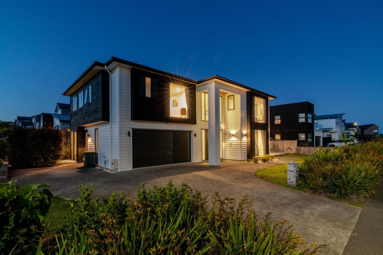 Long bay spacious luxurious modern 5 bedroom house holiday home torbay new zealand deals