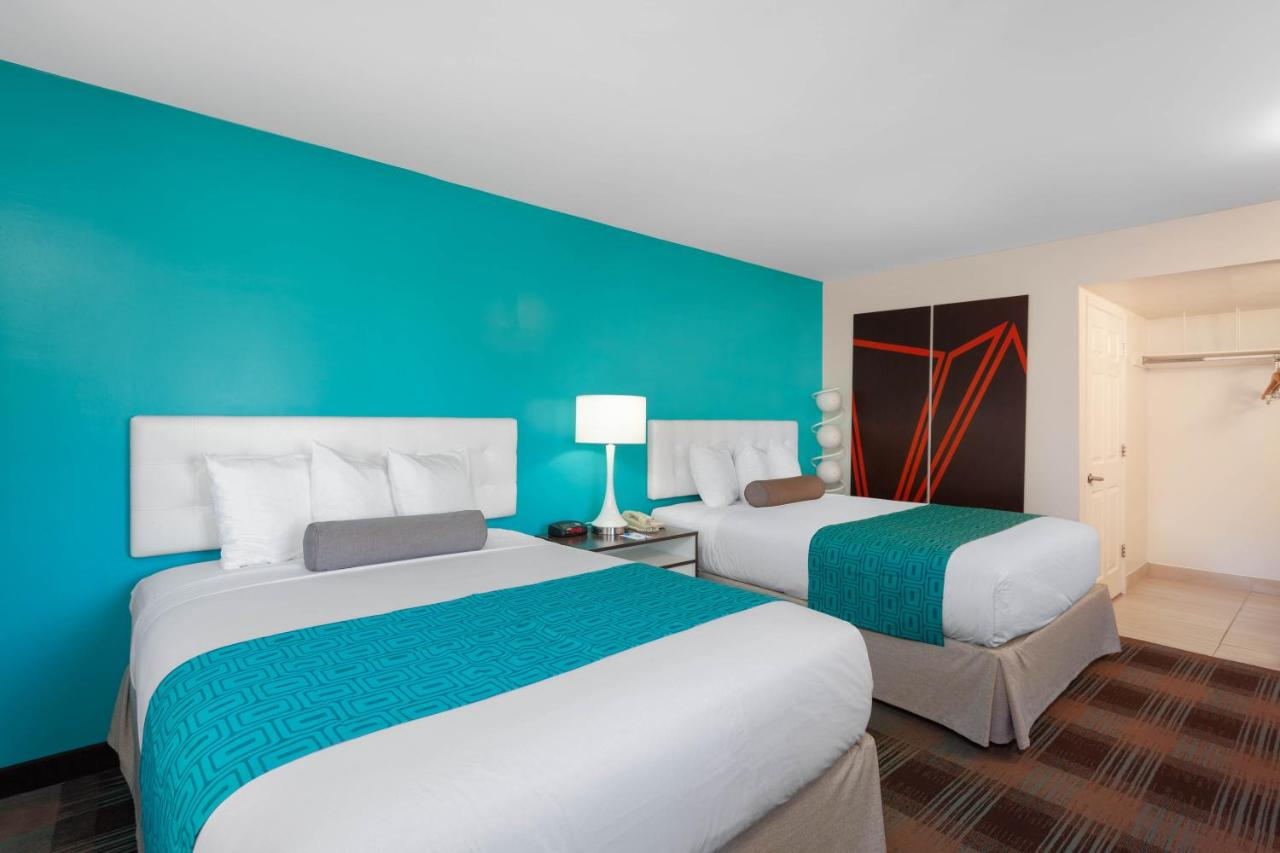 Howard Johnson by Wyndham San Diego Hotel Circle, San Diego – Varaa.