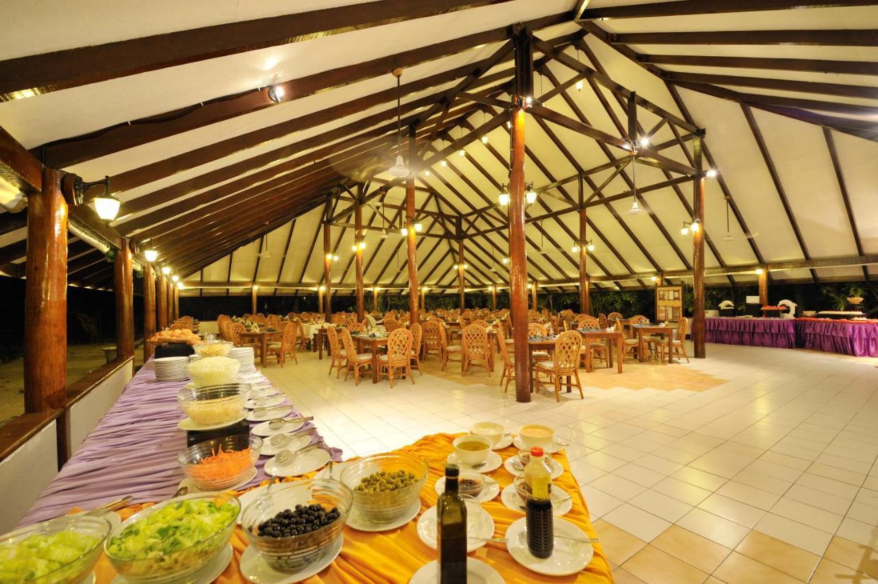 Ресторан Farivalhu в Fun Island Resort & Spa