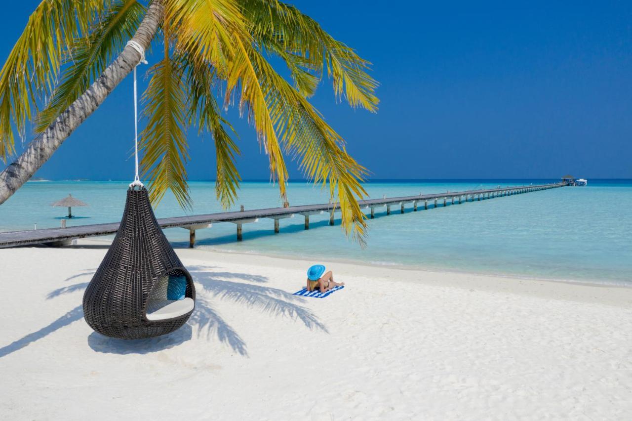 Мальдивы отель Holiday Island Resort & Spa