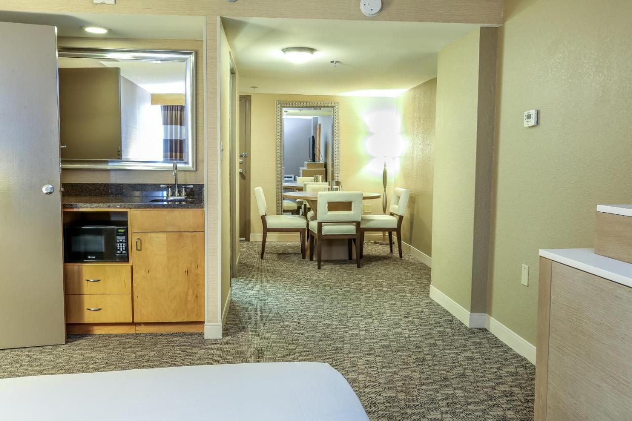Hotel Doubletree Virginia Beach, VA - Booking.com