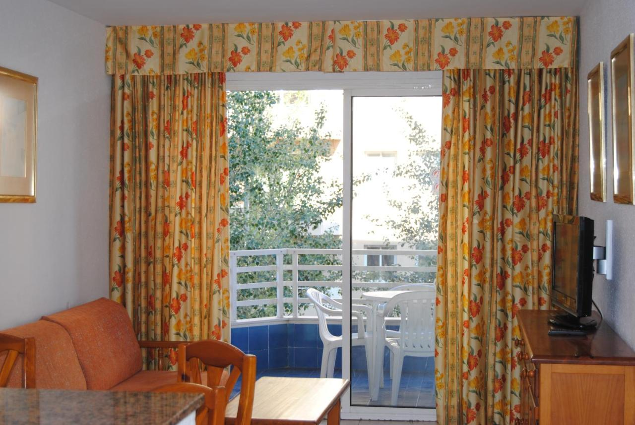 Apartment Zahara Rentalmar Salou Spain