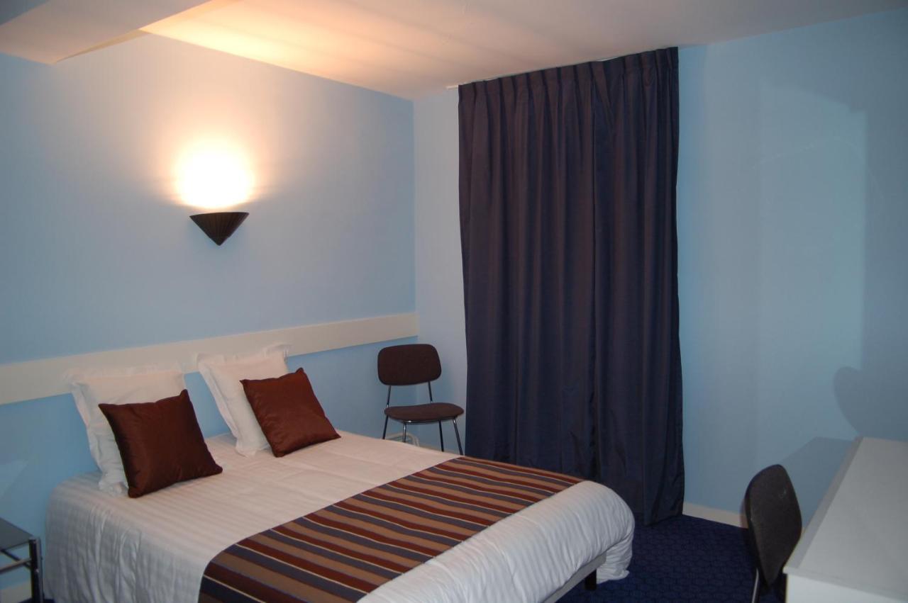 Hotels In Peyrat-de-bellac Limousin